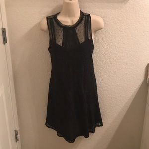 Black lace accent dress size small new!